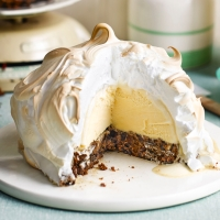 Waitrose_Weekend_Dec14_LeftoversDOMADV_8098_BakedAlaska_2048x2048