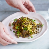 Brown-rice-pilaf-with-mushrooms