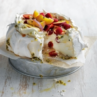 Donna Hay's pavlova with vanilla cream & summer fruits