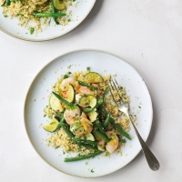 Garlicky prawns & courgette with couscous