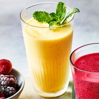 HEALTH_Mango,-cardamom-smoothie