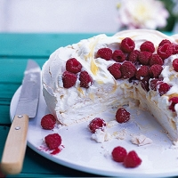 Raspberry and lemon curd pavlova