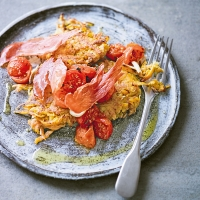 Sweet potato hash browns with roasted tomatoes & crispy Serrano ham