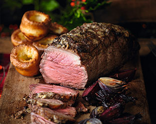 Roast Beef with Red Onions and Beetroot