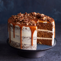 Date cake with salted honey caramel