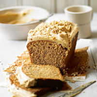 Banana cake with peanut butter frosting