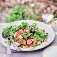 Fig, pancetta & Tunworth cheese salad with walnut croutons