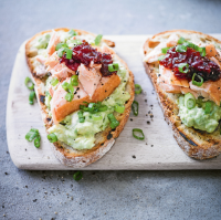 Hot smoked salmon on toast with avocado & chilli jam