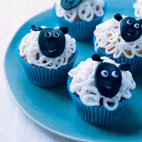 Woolly sheep cupcakes