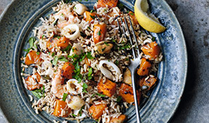Low-fat seafood pilaf