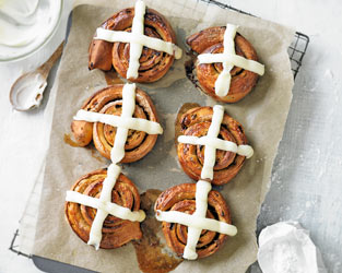 Martha Collison's hot cross bun cinnamon rolls