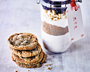 Martha Collison's white chocolate & cranberry cookies in a jar