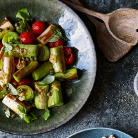 Scorched leeks with tomato and caper dressing