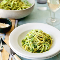 Homemade pesto with spaghetti