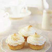 Passion fruit meringue tartlets