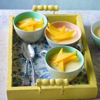Spiced saffron puddings with mango