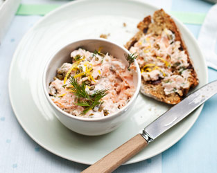Smoked trout pâté with soda bread