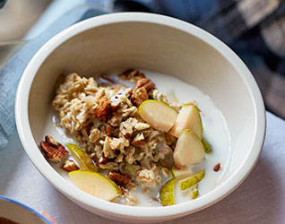 Pear & pecan overnight oats