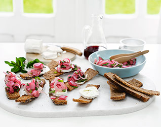 Rhubarb, goat's cheese and rye thins