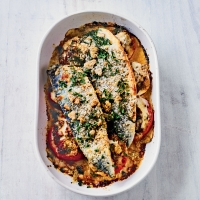 Baked mackerel with crispy crumbs