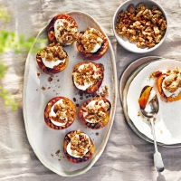 Barbecued-nectarines-with-amaretto-crunch-and-cream