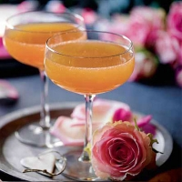 Passion fruit bellini cocktails