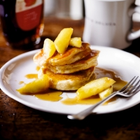 Ricotta pancakes with sticky maple apples