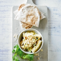 Skinny coronation chicken pittas
