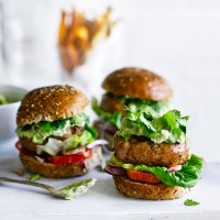 Turkey burgers with avocado yogurt and sweet potato chips