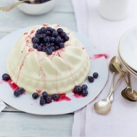 White chocolate blancmange with blueberries
