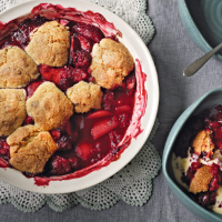 Apple and blackberry cobbler