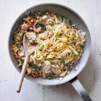 Cauliflower, mackerel & prawn fried rice
