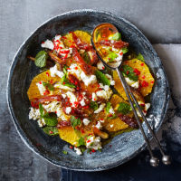 Date, orange and goats' cheese salad with mint