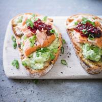 Hot smoked salmon on toast with avocado & chilli jam