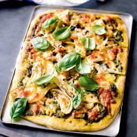 Roast fennel, pesto & prawn pizza