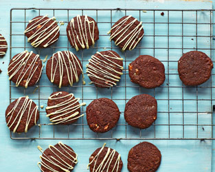 Double chocolate mallow cookies
