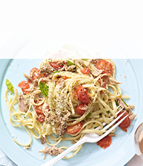 Tuna & fresh tomato linguine  with lemon & thyme