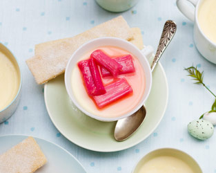 Lemon posset with rhubarb and shortbread