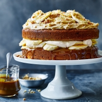 Banoffee-peanut-butter-cake