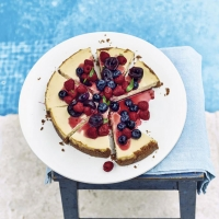 Coconut cheesecake with mixed berries