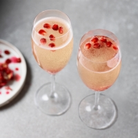 Pomegrante-fizz-cocktail