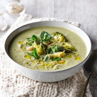 Roasted broccoli, almond and mint soup