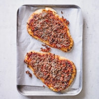 Spicy minced beef flatbreads