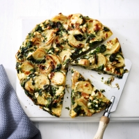 Spinach and ricotta Spanish omelette
