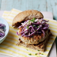 Turkey burgers with red cabbage and apple slaw