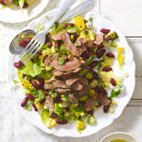 Mexican steak salad with beans & sweetcorn