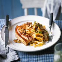 Mustard pork chops with tomato tagliatelle