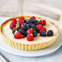 Martha Collison's vanilla panna cotta tart with berries