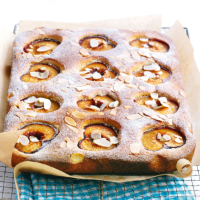 Plum traybake with almonds