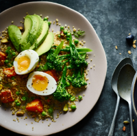 Quinoa breakfast salad